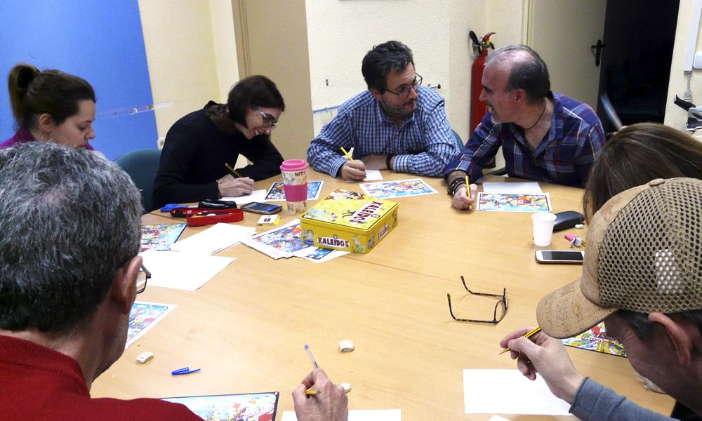 Fotografía de taller de memoria en la Asociación Mostoleña de Esclerosis Múltiple AMDEM